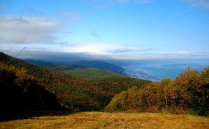 Charlevoix, des montagnes, un fleuve